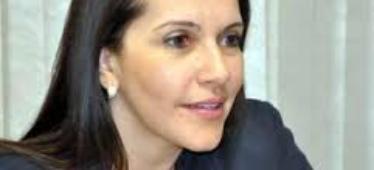 Danielle Garcia desafia Edvaldo Nogueira para um debate