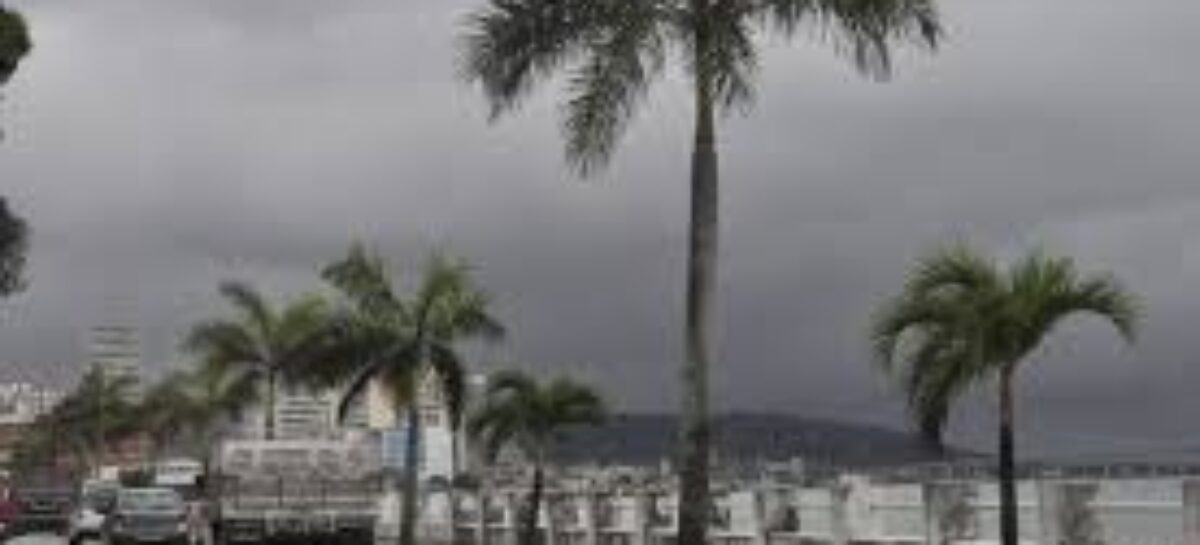 Defesa Civil de Aracaju emite alerta para ventos fortes