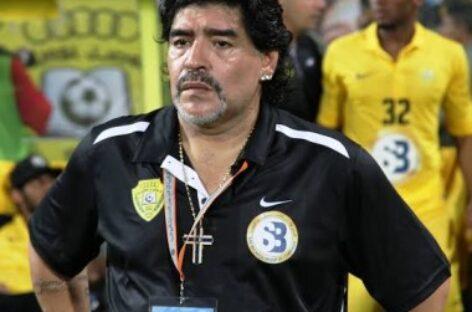 Morre o ex-jogador Diego Maradona, aos 60 anos