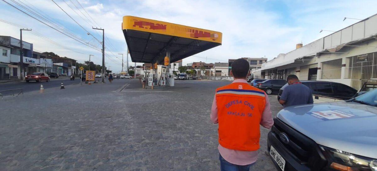 Ventos abalam estrutura de posto de combustível em Aracaju