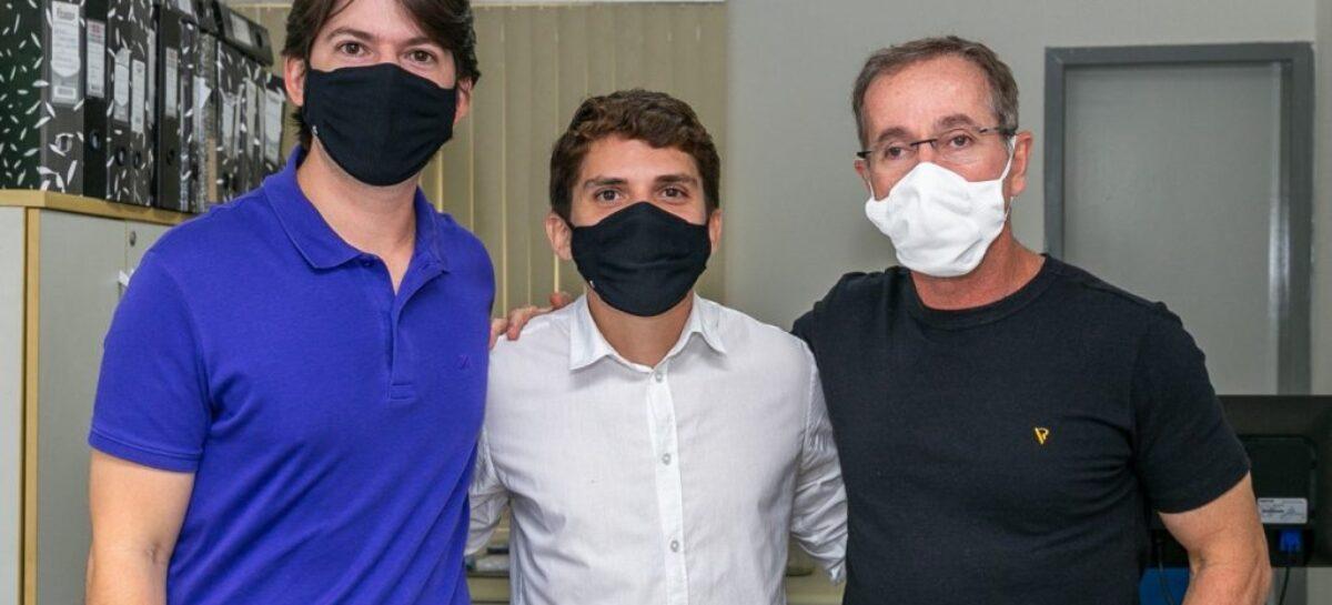Seis vereadores eleitos visitam a Câmara de Aracaju