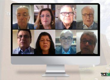 Conselheiros do TCE prestam homenagens ao ex-governador João Alves