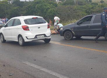 Colisão entre veículos deixa uma pessoa morta e três feridas na BR-101