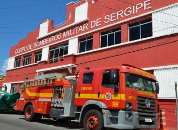 Bombeiros apagam incêndio em vegetação na Zona de Expansão de Aracaju