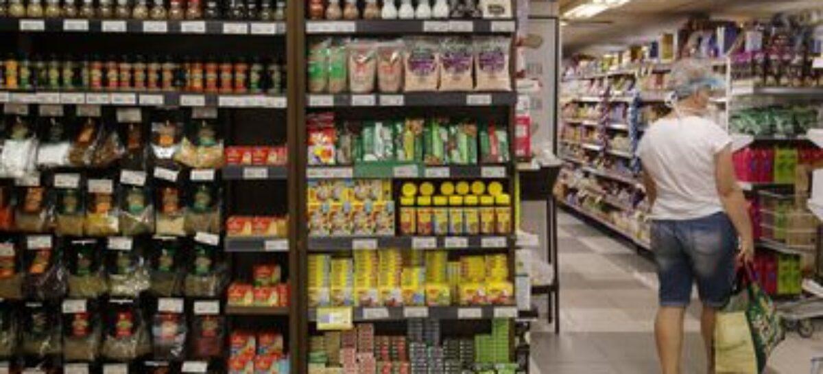 Confiança do consumidor cai 3,2 pontos em dezembro