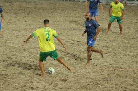 Brasil e França disputam final do Mundial de Futebol de Areia Raiz