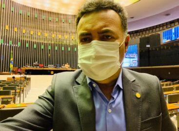 Em Brasília, Heleno Silva acompanha votação de final de ano na Câmara Federal