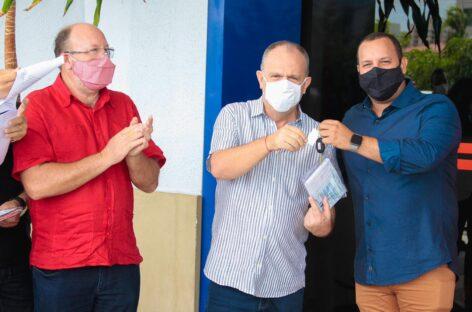 Belivaldo entrega novas ambulâncias para reforço à Atenção Básica em oito municípios