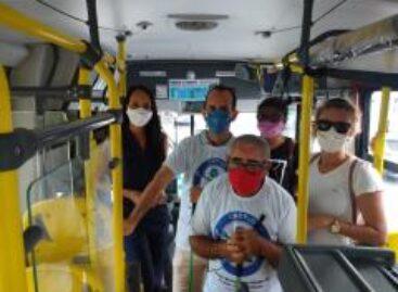 Ônibus ganham identificação para ajudar pessoas com deficiência visual