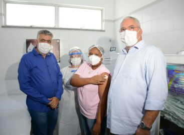 Nossa Senhora do Socorro recebe as primeiras doses da vacina contra a Covid-19