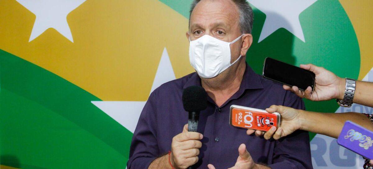 """""""Estamos dependendo da definição do Governo Federal"""", diz Belivaldo sobre vacinação"""