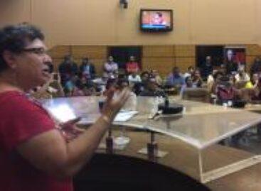 Ângela Melo integra Comissão de Educação e entidades a querem na Presidência