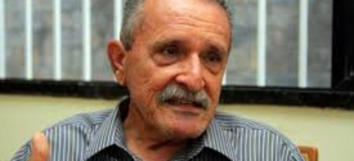 Machado debate política com o empresário Sandro de Miro