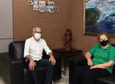 Edvaldo se reúne com Maria do Carmo e apresenta demandas de Aracaju