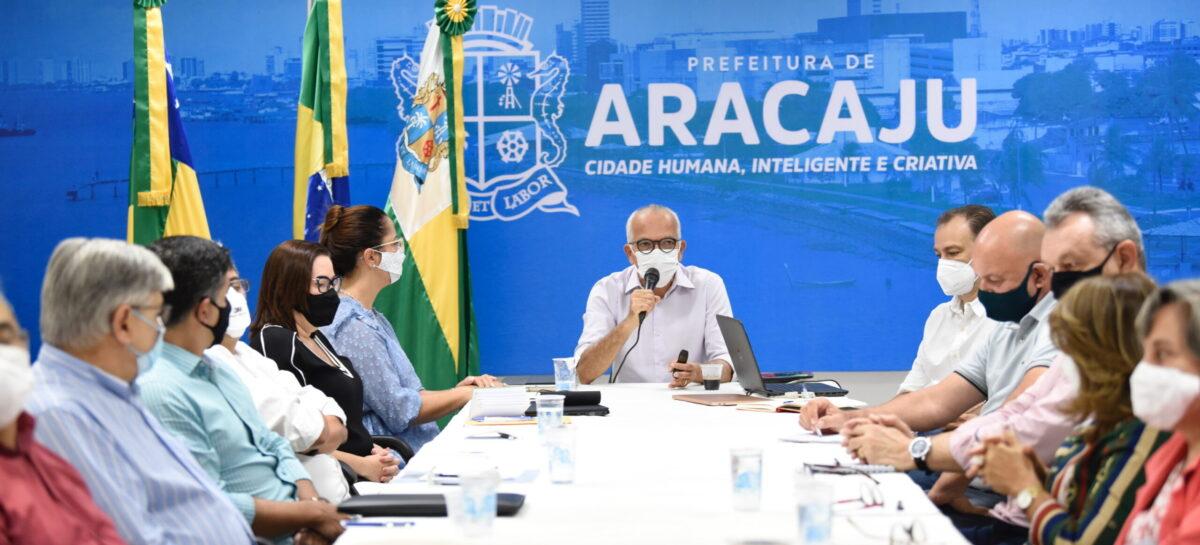 """""""Nosso foco é defender a vida e alavancar o desenvolvimento"""", diz prefeito"""