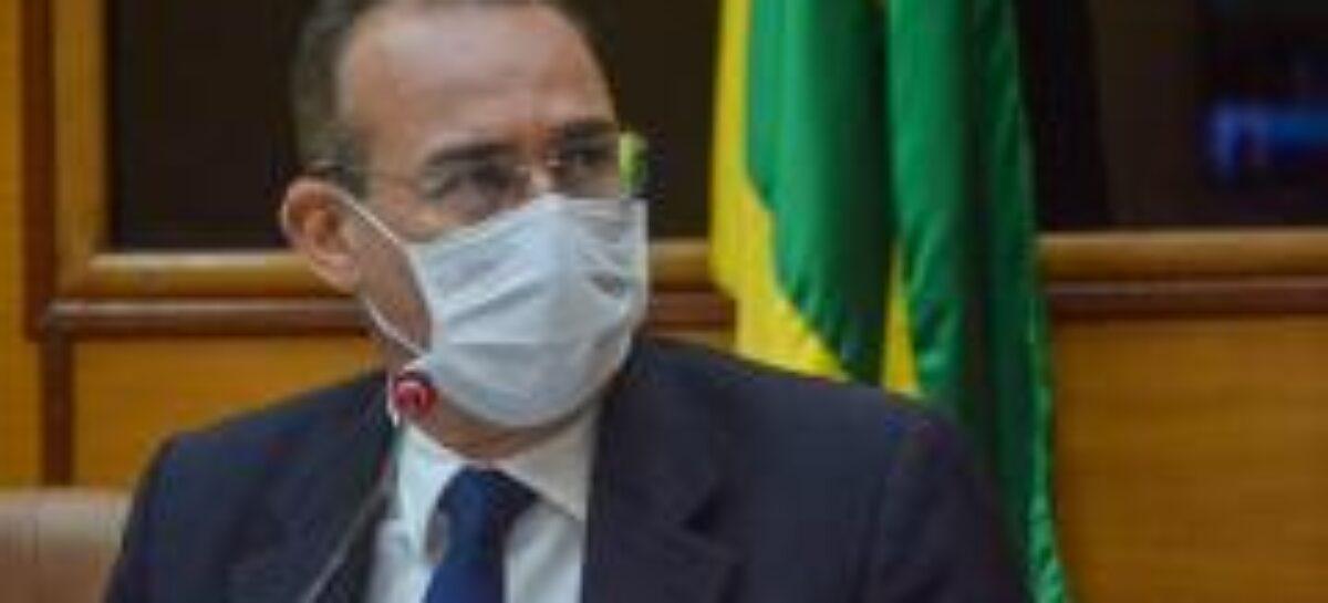 Covid-19: Zezinho Sobral cobra aos municípios celeridade na vacinação dos idosos