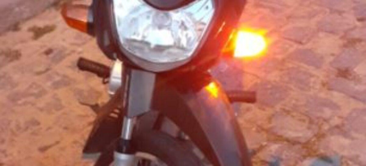 PC recupera moto roubada e prende por homem que tentava vender o veículo