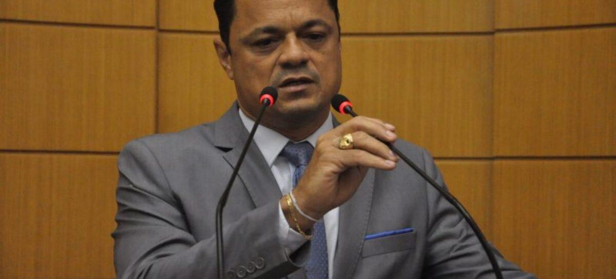 Capitão Samuel cobra reposição salarial da inflação do período de 2013 a 2020