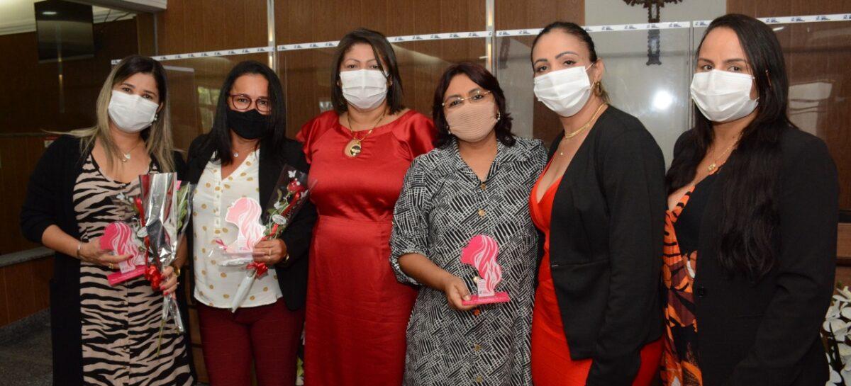 Trabalho desenvolvido pela SMAS para mulheres recebe homenagem na Câmara de Socorro
