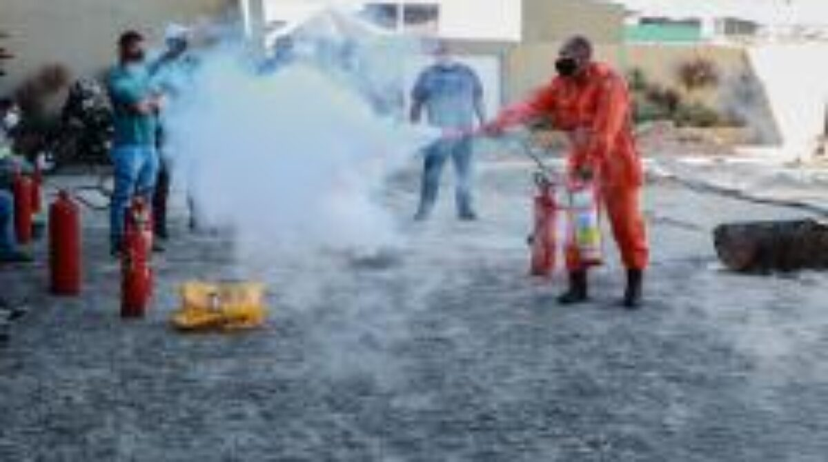 SES treina a primeira brigada de incêndio da rede de saúde